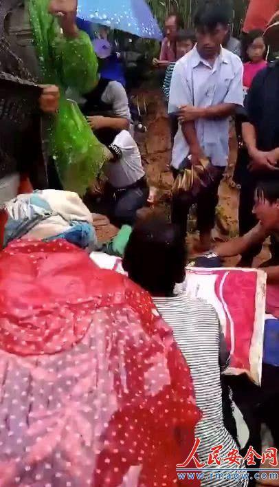 云南发生雷击事件 造成4名儿童死亡3名儿童受伤