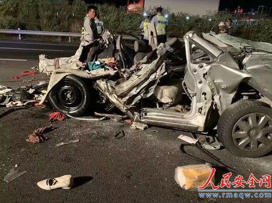 广西致5死事故死者身份确认 小车女司机有7年驾龄