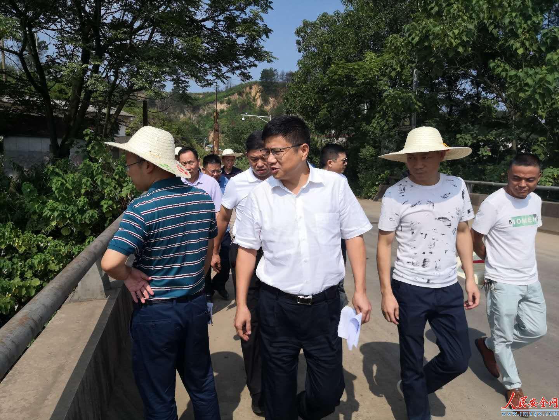 衡阳市副市长、舂陵水河长杨洪峰来常巡查舂陵水