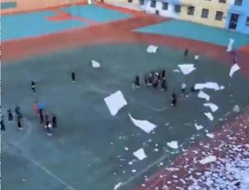 """""""学校黄了,校长跑了"""" 辽宁阜新两所民办学校倒闭"""