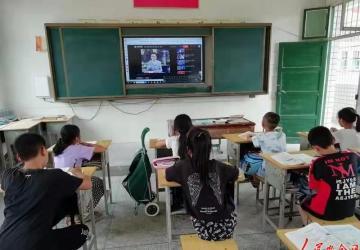 """新邵陈家坊镇多举措落实""""五项管理""""保障学生身心健康"""