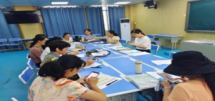 宁远县实验小学英语组教师扎实开展教学研讨活动